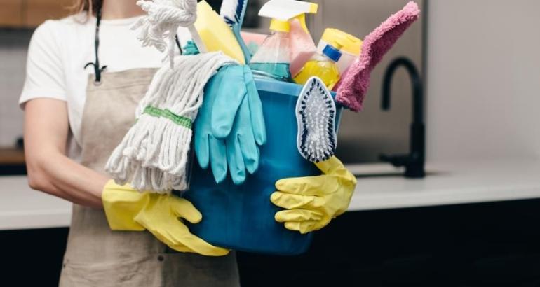 ежедневная уборка помещений в доме престарелых