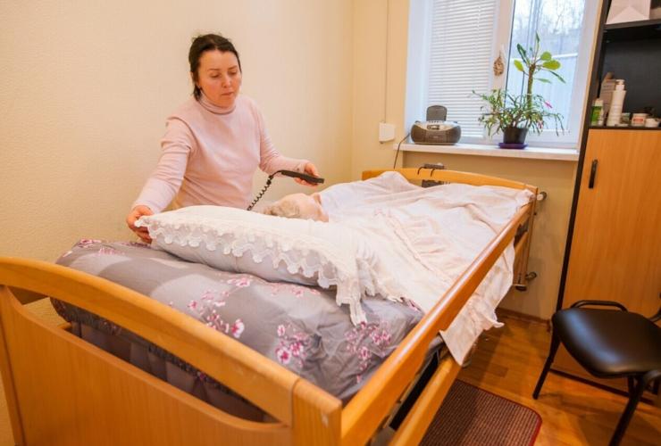 Уход за лежачим больным в домашних условиях