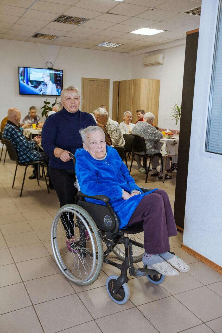 постояльцы дома престарелых Гармония
