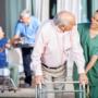 Простые способы предотвратить слабость нижних конечностей у пожилых людей
