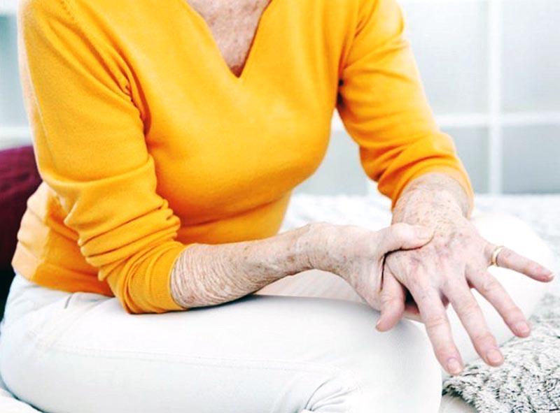 Подагра в пожилом возрасте: что делать?
